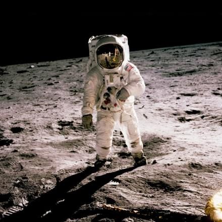 Moon landing theory